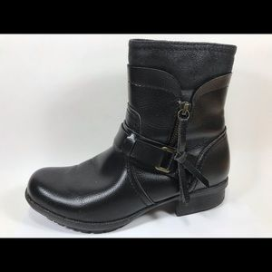 Clarks Collection Leather Zip Ankle Boots 7M